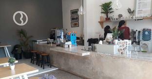 Foto 2 - Interior di Bhumi Coffee oleh @semangkukbakso