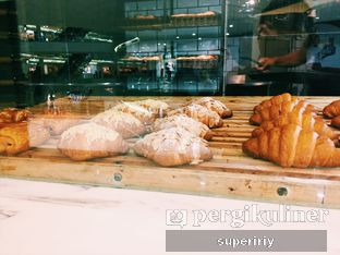 Foto 2 - Interior(croissant display) di Domi Deli oleh @supeririy
