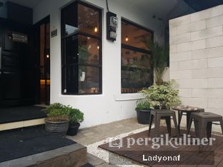 Foto 2 - Interior di Sixty Two Coffee oleh Ladyonaf @placetogoandeat