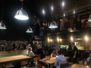 Foto 6 - Interior di Lawless Burgerbar oleh feedthecat