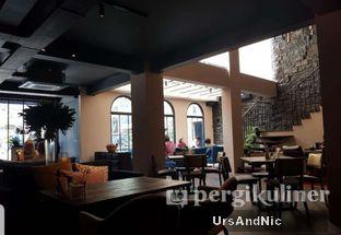 Foto 4 - Interior di The Front Room oleh UrsAndNic