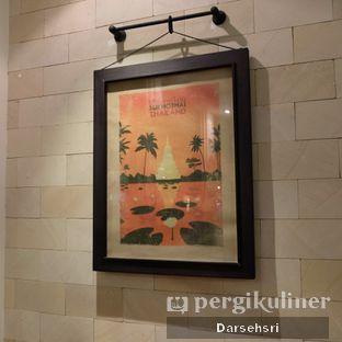 Foto 13 - Interior di Jittlada Restaurant oleh Darsehsri Handayani