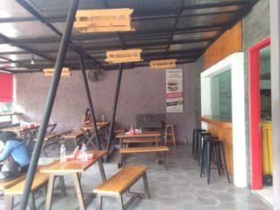 Foto 4 - Interior di Blenger Burger oleh Pinasthi K. Widhi
