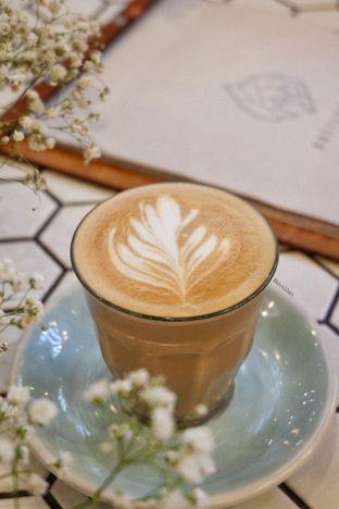 Foto 1 - Makanan(Chai Latte) di Bottlenose Shack oleh David Sugiarto