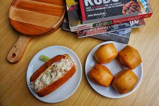 Foto 7 - Makanan(Lobstrer Roll and Mantau) di Chef Epi - Hotel Sheo oleh Fadhlur Rohman