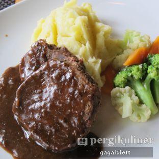 Foto 3 - Makanan di Keukenhof Bistro oleh GAGALDIETT