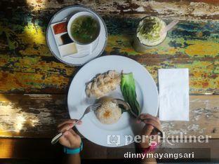 Foto 2 - Makanan(Hainan Chicken Rice) di The Forest oleh dinny mayangsari