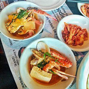 Foto 5 - Makanan(kkotgetang spicy blue crab stew) di Noodle King oleh duocicip