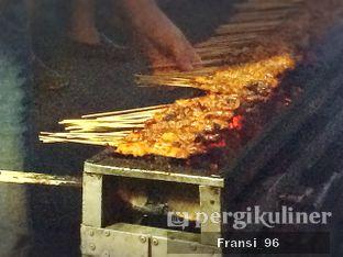 Foto 1 - Makanan di Sate Ayam Pasar Lama H. Ishak oleh Fransiscus