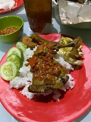 Foto 1 - Makanan di Ayam Gepuk Pak Gembus oleh Riani Rin