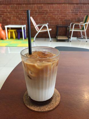 Foto 4 - Makanan di Morethana Minilib & Coffee oleh Yohanacandra (@kulinerkapandiet)
