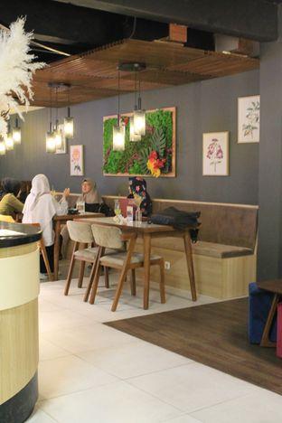 Foto 16 - Interior di Brouwen Coffee & Kitchen oleh Prido ZH