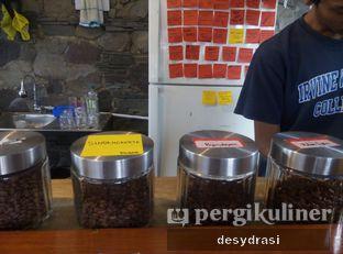 Foto 9 - Interior di Kurva Coffee oleh Desy Mustika