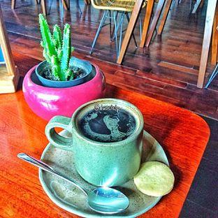 Foto 5 - Makanan(Caffe americano ) di Convivium oleh duocicip