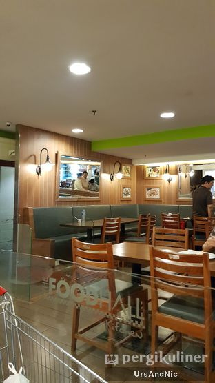 Foto 5 - Interior di Cafe One - Wyndham Casablanca Jakarta oleh UrsAndNic