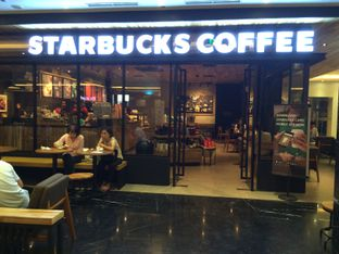 Foto 4 - Eksterior di Starbucks Coffee oleh Elvira Sutanto
