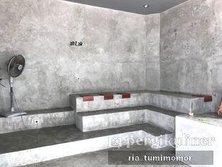 Foto 5 - Interior di Tanaya Coffee oleh riamrt