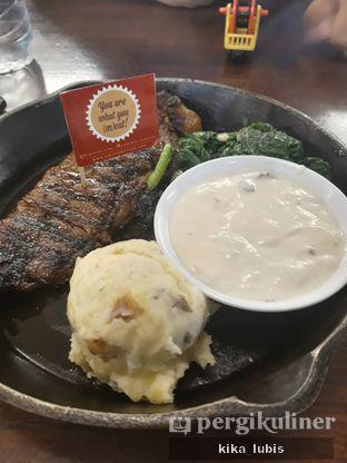 Foto 3 - Makanan di Steak Hotel by Holycow! oleh Kika Lubis