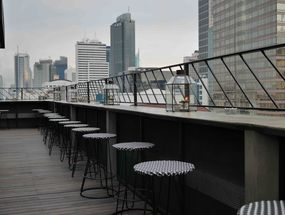 Foto BART (Bar at The Rooftop) - Artotel Jakarta
