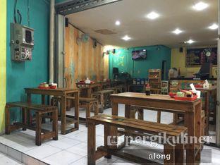 Foto 3 - Interior di Soto Ayam Hartono oleh #alongnyampah
