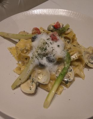 Foto 6 - Makanan(Pollo E FunVingole Parpadelle (IDR 105k) ghi Pesto (IDR 98k) ) di 91st Street oleh Renodaneswara @caesarinodswr