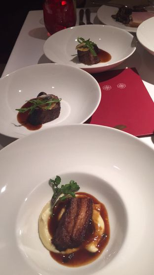 Foto 1 - Makanan di Lyon - Mandarin Oriental Hotel oleh Demy Maryesna