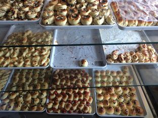 Foto 4 - Makanan di Roti Unyil Venus oleh Irine