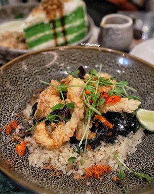 Foto 2 - Makanan(Black kampoeng fried rice) di The Garden oleh Stellachubby