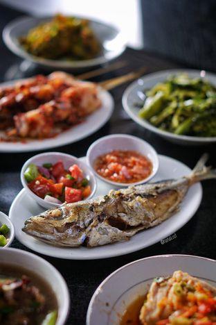 Foto 2 - Makanan di Waroeng Manado & Bir oleh Nanakoot