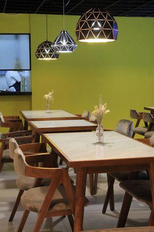Foto 19 - Interior di Brouwen Coffee & Kitchen oleh Prido ZH