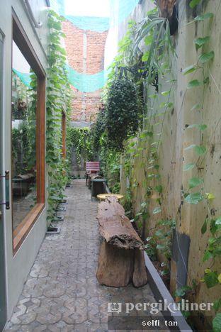 Foto 6 - Interior di Ombe Kofie oleh Selfi Tan