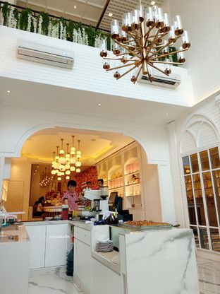 Foto 5 - Interior di Eighteen Pies oleh abigail lin