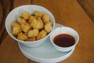 Foto 5 - Makanan(Tahu Goreng Cobek) di The H Cafe oleh Fadhlur Rohman