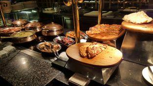Foto 1 - Makanan di The Cafe - Hotel Mulia oleh Vising Lie