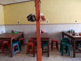 Foto 6 - Interior di Mie Gajah Mada oleh Amrinayu