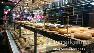 Foto review Krispy Kreme Cafe oleh Jakartarandomeats 1