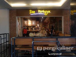 Foto 8 - Interior di Five Monkeys oleh Ladyonaf @placetogoandeat
