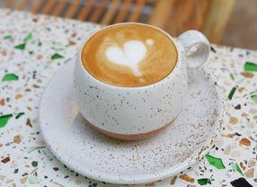 24 Cafe di Surabaya yang Paling Enak Buat Tempat Nongkrong