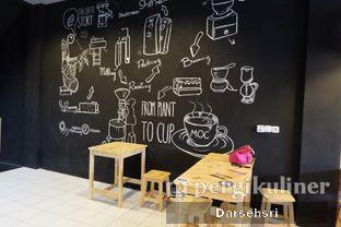 Foto 6 - Interior di Waroenk NomNom oleh Darsehsri Handayani