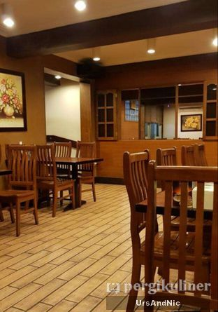 Foto 7 - Interior di Restoran Beautika Manado oleh UrsAndNic