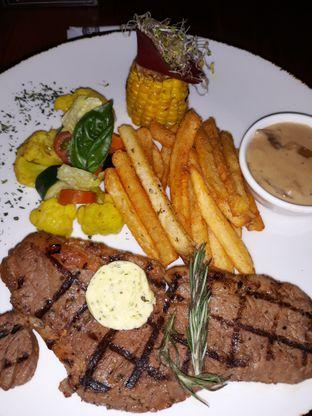 Foto 1 - Makanan di Cutt & Grill oleh Mouthgasm.jkt