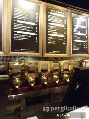 Foto 7 - Interior di Koffie Warung Tinggi oleh UrsAndNic