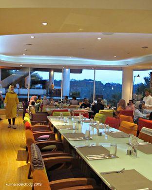 Foto 10 - Interior di Life Green Restaurant - Sensa Hotel oleh Kuliner Addict Bandung