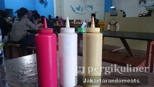 Foto 5 - Interior di Perang Kerang - Barbarian Seafood House Restaurant oleh Jakartarandomeats