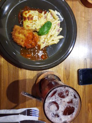 Foto 6 - Makanan di One Eighty Coffee and Music oleh Fatirrahmah Nandika