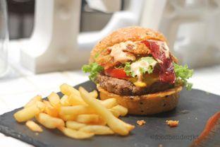 Foto review Dope Burger & Co. oleh Food Bender 3