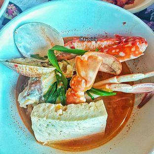Foto 4 - Makanan(kkotgetang spicy blue crab stew) di Noodle King oleh duocicip