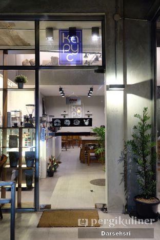 Foto 9 - Interior di Kapyc Coffee & Roastery oleh Darsehsri Handayani