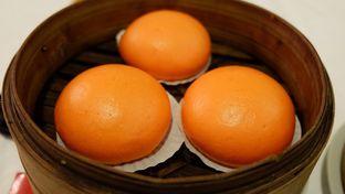 Foto 4 - Makanan(Bakpao Kuning Telur Asin) di Central Restaurant oleh Chrisilya Thoeng