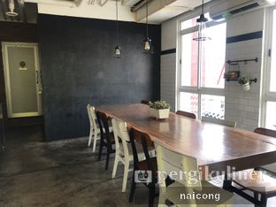 Foto 1 - Interior di Asagao Coffee House oleh Icong